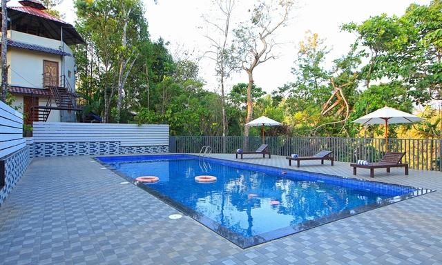Swimming_Pool_IMG_0032