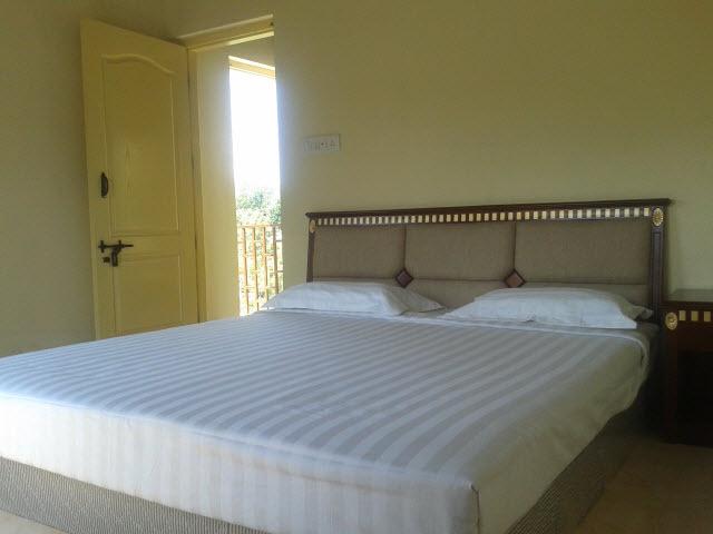 Blue Mountain Melkundah Kinnakorai Ooty Room Rates