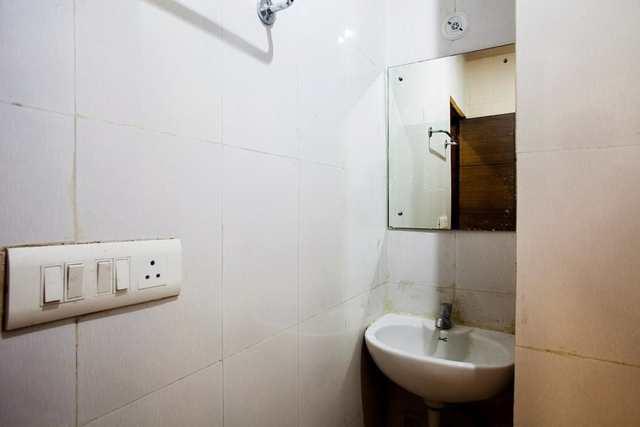 hotel-lals-inn-agra-1470717876430jpg-109448552479-jpeg-fs