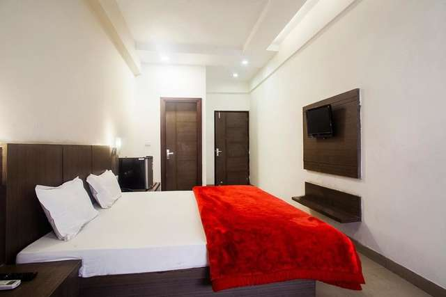 hotel-lals-inn-agra-1470717905211jpg-109448535574-jpeg-fs