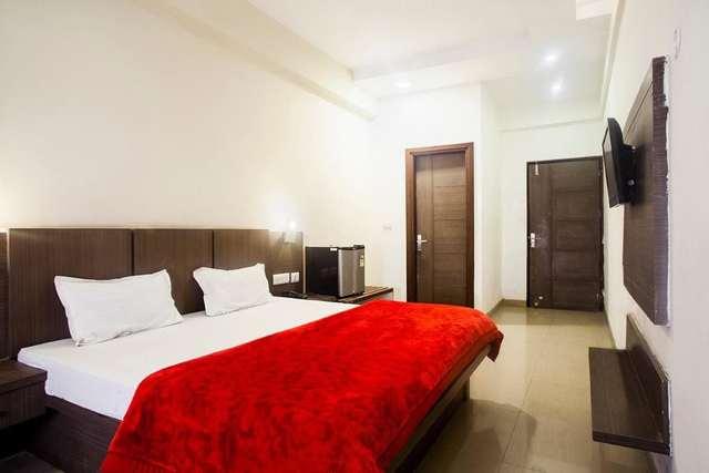 hotel-lals-inn-agra-1470717912380jpg-109448471247-jpeg-fs