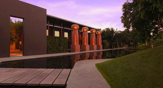 dusit-devarana-new-delhi_exterior_facade