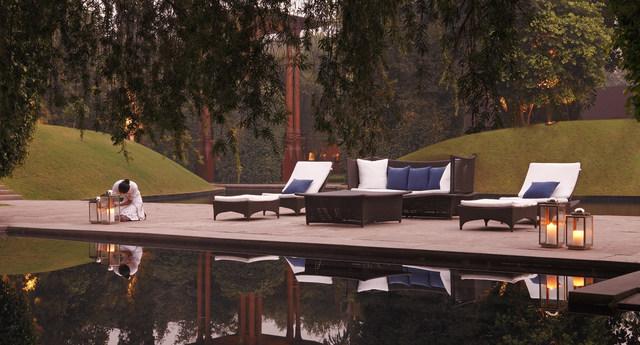 dusit-devarana-new-delhi_facilities_pool-deck_1600