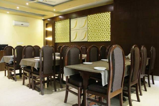 hotel-grand-continental-varanasi-multi-cuisine-restaurant-79114780386-jpeg-fs