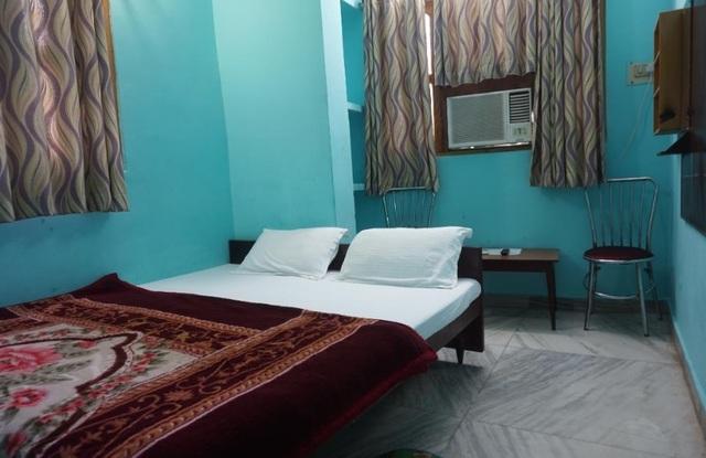 Shree Hare rama hare krishna guest house, Varanasi  Room
