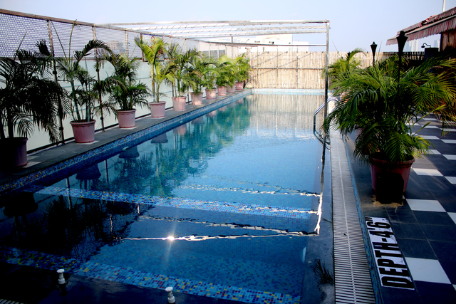Swimmin_Pool_(1)