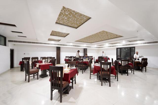hotel-east-gate-agra-ac-restaurant-2-79542672520fs