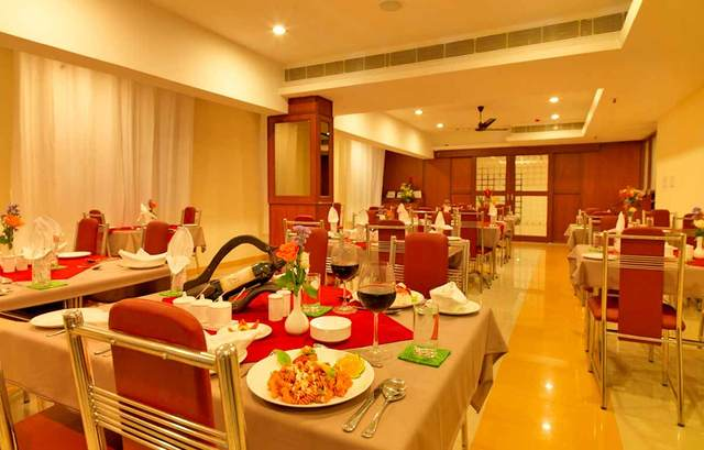 dhanunjayas-hotel-hosur-restaurant-1