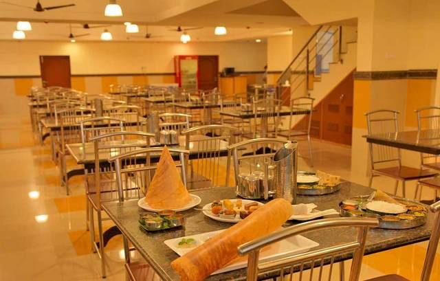 dhanunjayas-hotel-hosur-restaurant-2