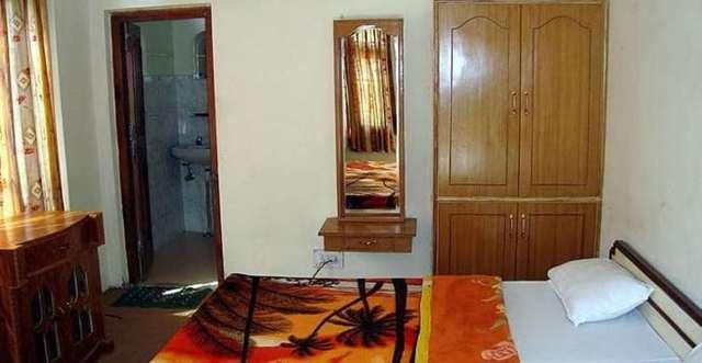 hotel-baba-deluxe-manali-hotel-baba-deluxe-room4_jpg-manali-111952130308-jpeg-fs
