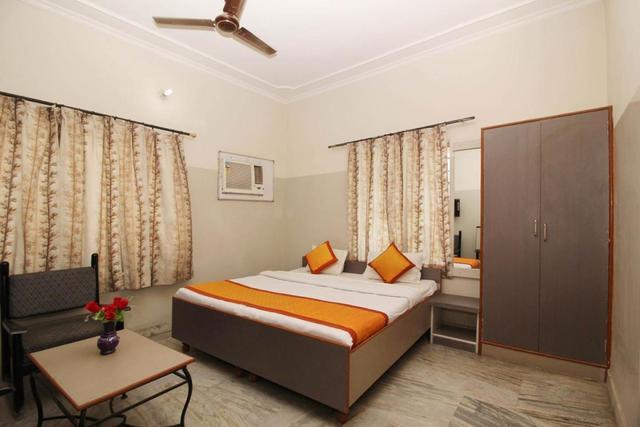 hotel-urvashi-jaipur-1464079613488-86732244459-jpeg-fs