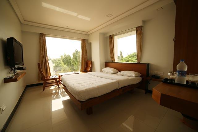 88883-Executive_Deluxe--Luxury-rooms