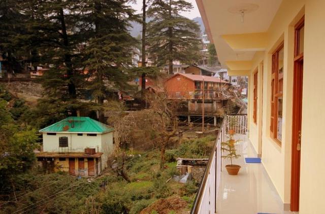 hotel-anuj-regency-mcleodganj-balcony-51912939344fs