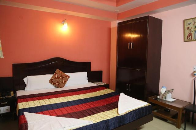hotel-su-shree-continental-delhi-deluxe-non-ac-room4-63247697070fs