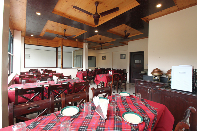 Hotel_Krishna_Restaurant_(2)