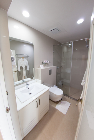 fog_deluxe_room_bathroom_(1_of_1)