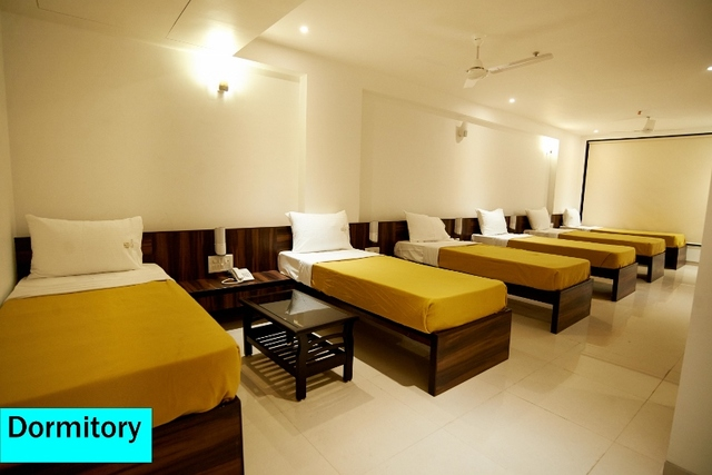 Dormitory_6_Bed_AC_(800x534)
