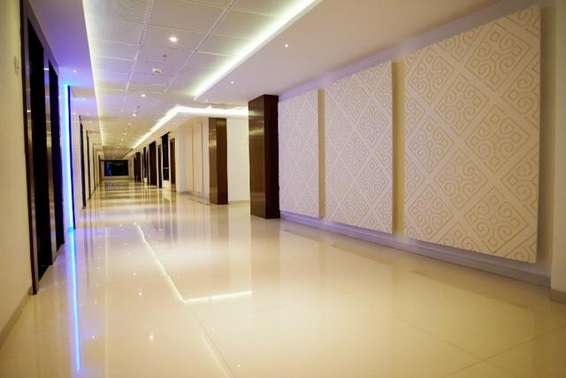 Second_Floor_Lobby_2_(800x534)