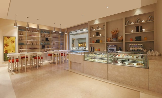 3_DoubleTree_by_Hilton_Agra_-_The_Food_Store__all-day_cafe___deli