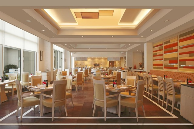 5_DoubleTree_by_Hilton_Agra_-_North_27__all-day_global_cuisine_restaurant
