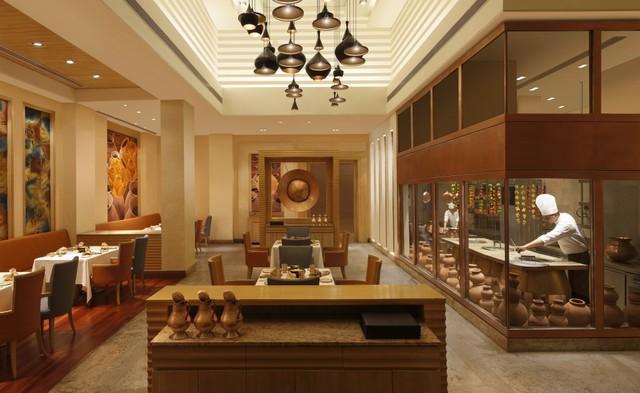 6_DoubleTree_by_Hilton_Agra_-_Kebab_e_Que