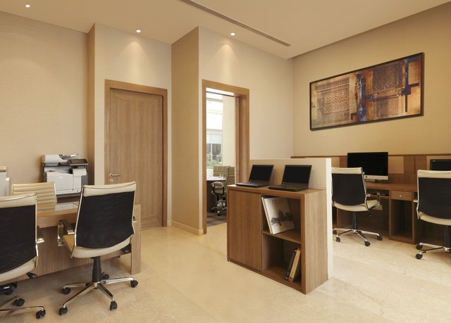 7_DoubleTree_by_Hilton_Agra_-_Business_Centre