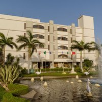 Hotel_building_front_view