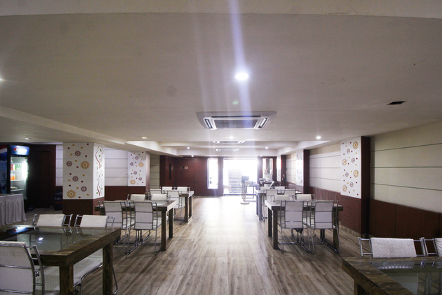 Restaurant_(11)