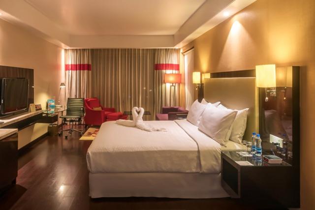 26_Suite_room