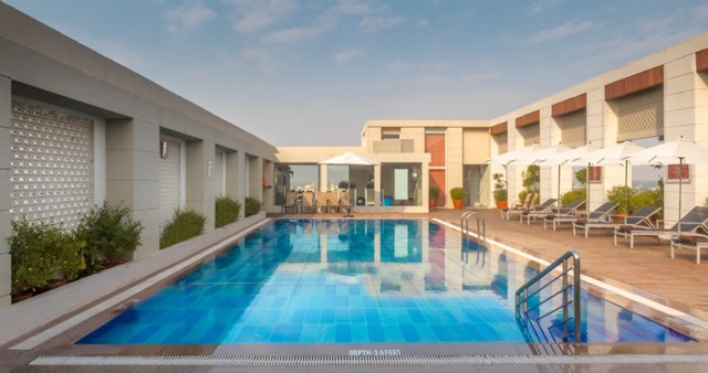 30_Swimming_pool
