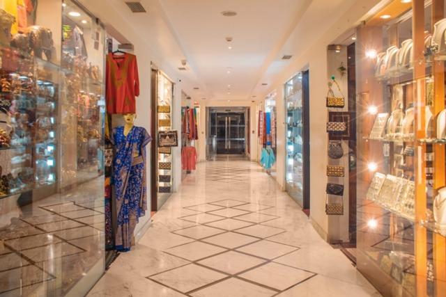 8_Shopping_Arcade