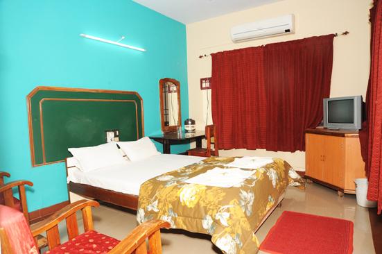 Hotel_Navaratna_Deluxe_(7)