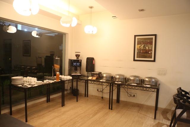 Restaurant_-_Breakfast_Setup_(2)