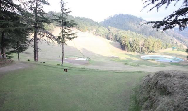 Golf_Club_Ground_2