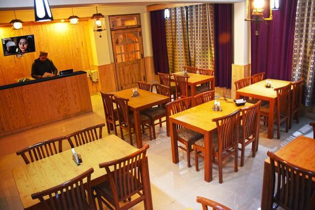 hotel-mahavir-manali-reception-65610296721fs