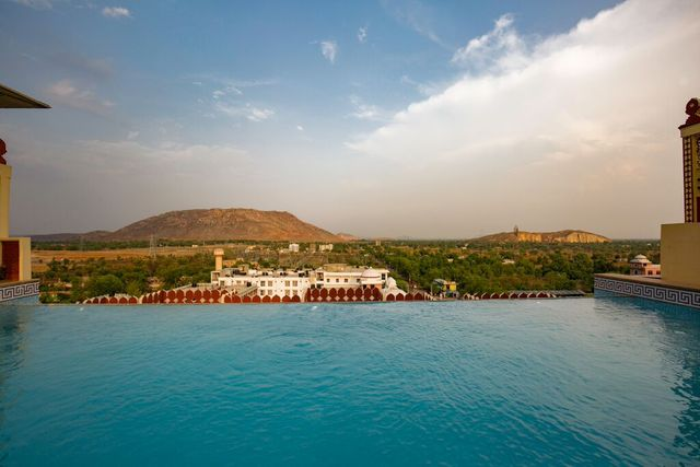 Umaid_Haveli_Hotel___Resort_(9)