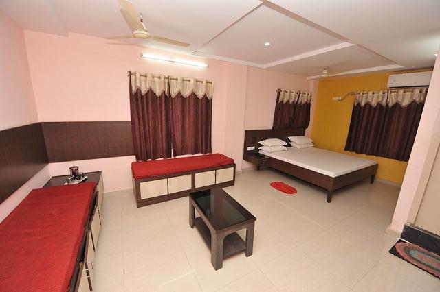 Guest_Room.jpg_2