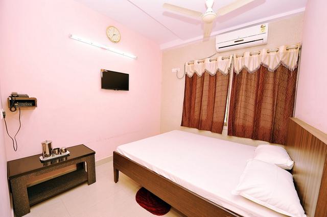 Guest_Room.jpg_4