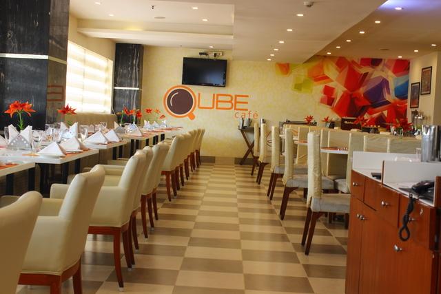 Qube_Cafe_Restaurant_(1)