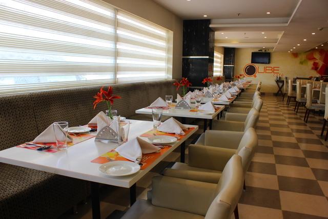 Qube_Cafe_Restaurant_(2)