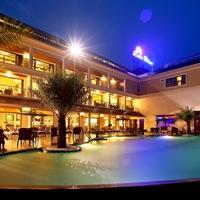 Hotel_at_evening4