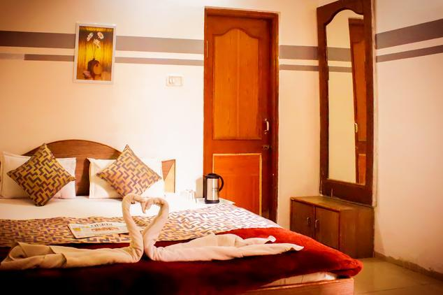 hotel-care-residency-indore-guest-room-67659803482g