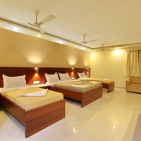 Family_4_Bed_Room_AC