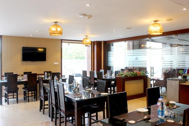 Restaurant_II_(2)