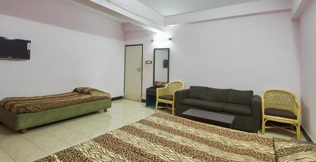 hotel-menino-goa-dlx-room-1-76506972644fs