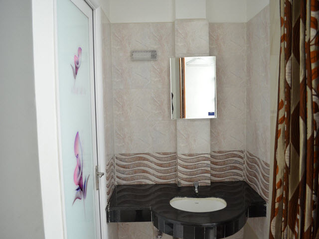 Copy_of_Well_Maintained_Bathrooms