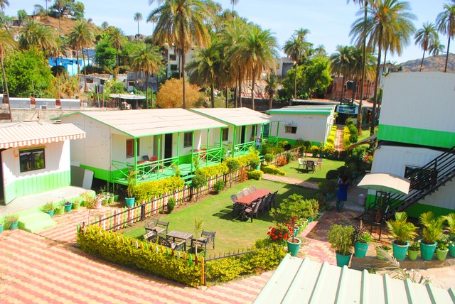 Great india resort only family and couples mount abu Hotel with swimming pool in mount abu