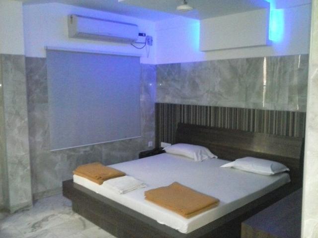 Room_Photo_1