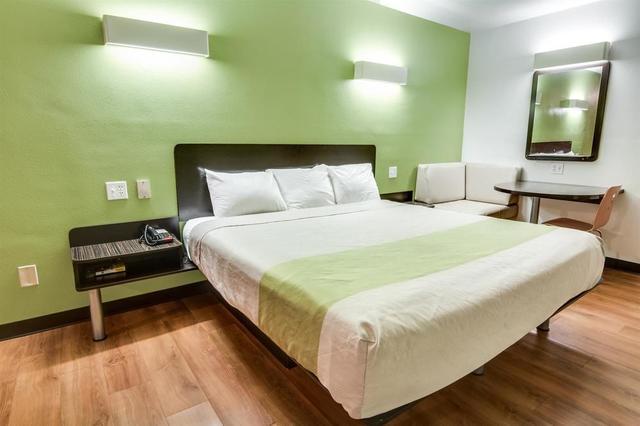 Motel 6 Longview - North, Longview. Use Coupon Code HOTELS & Get 10 ...