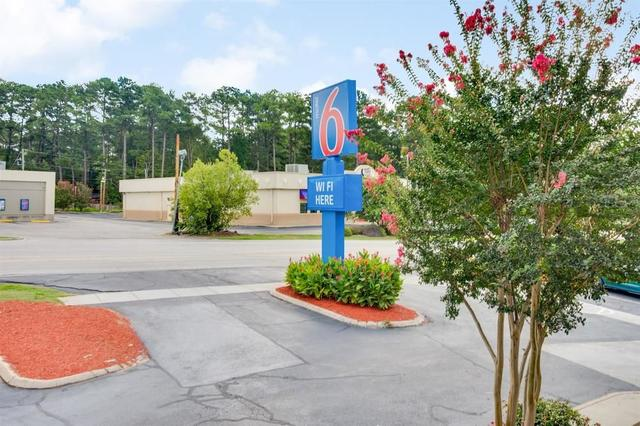 Motel 6 Columbia West, Columbia. Use Coupon Code HOTELS & Get 10% OFF.